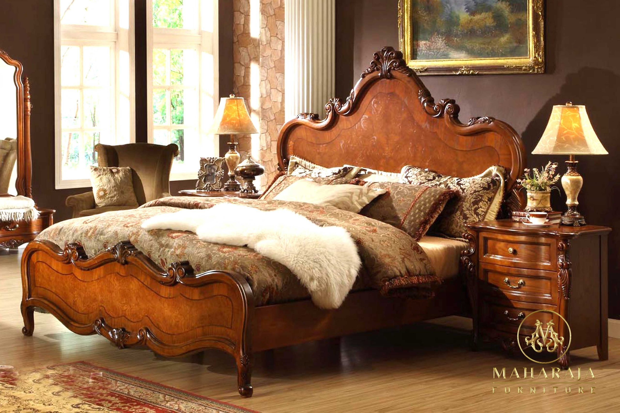 Classic-Varnished-Wood-Bed-In-Bangalore